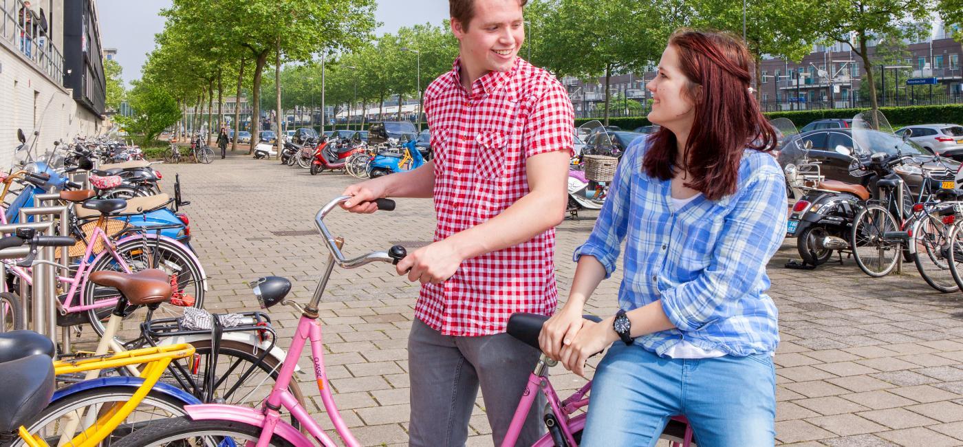 Studenten met fiets